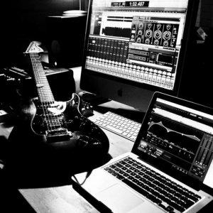 savage-studio-3bw